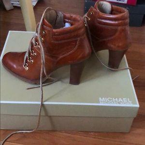 Michael Kors brown winter high heel lace up bootie